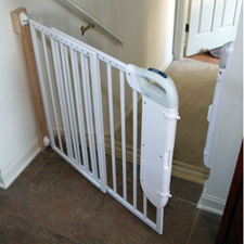 Safety 1st Smartlight Stair Gate Grand Idea Studio